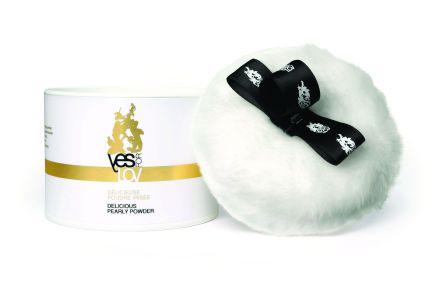 Polvos nacarados Yes for Lov: La idea es poner en tu cuerpo estos polvos nacarados durante los  juegos íntimos. Aaplícalo en la zona que quieras ya que brillará y le aportará una suave textura y un olor muy agradable. PVP: 42 € (30 gramos).
